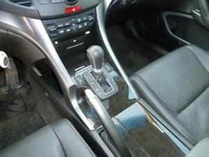 Установка бесштыревого блокиратора КПП на Honda Accord 8